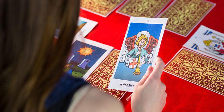 Hur fungerar tarot och tarotkort?